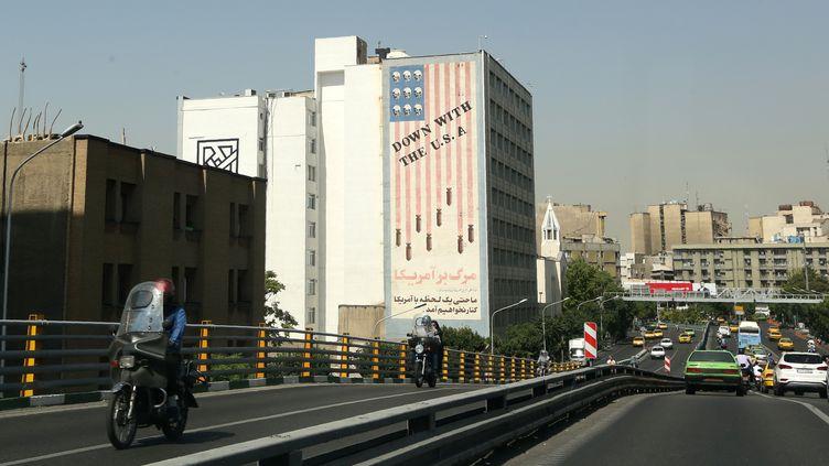 Un fresque anti-américaine, à Téhéran (Iran), le 22 juin 2019. (ATTA KENARE / AFP)