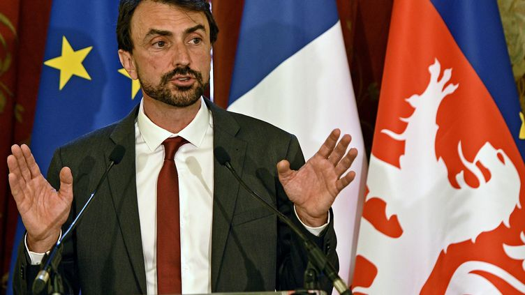 Grégory Doucet lorsdu conseil municipal d'investiture à l'hôtel de ville de Lyon, le 4 juillet 2020. (STEPHANE GUIOCHON / MAXPPP)