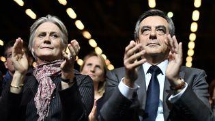 Penelope et François Fillon, le 25 novembre 2016, à Paris. (PHILIPPE LOPEZ / AFP)