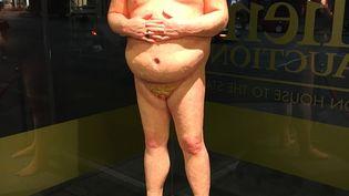 Une statue caricaturale grandeur réelle de Donald Trump,nu, s'est vendue aux enchères 22 000 dollars samedi 22 octobre à Los Angeles. (LOIC PIALAT / RADIO FRANCE)