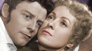 """Danielle Darrieux et Gérard Philipe dans """"Le rouge et le noir"""" de Claude Autant-Lara (1954).  (COLLECTION CHRISTOPHEL)"""