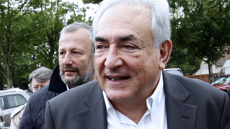 Dominique Strauss-Kahn lors du second tour de la présidentielle, le 6 mai 2012 à Sarcelles (Val d'Oise). (THOMAS SAMSON / AFP)