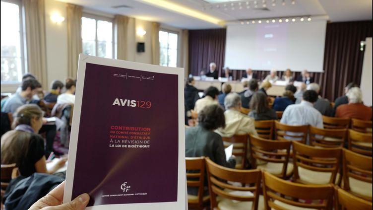Le CCNE rend son Avis relatif à la révision de la loi de bioéthique, le 25 septembre 2018 à Paris. (LUC NOBOUT / MAXPPP)