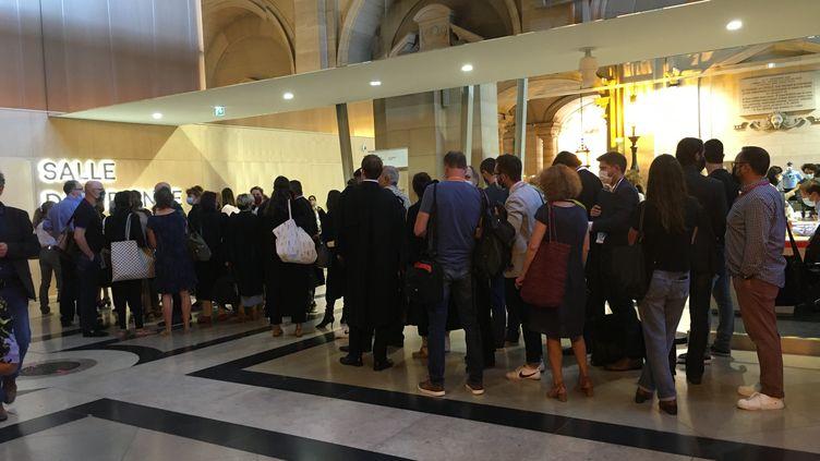 Au premier jour du procès des attentats du 13-Novembre, au palais de justice de Paris, le 8 septembre 2021. (CATHERINE FOURNIER / FRANCEINFO)