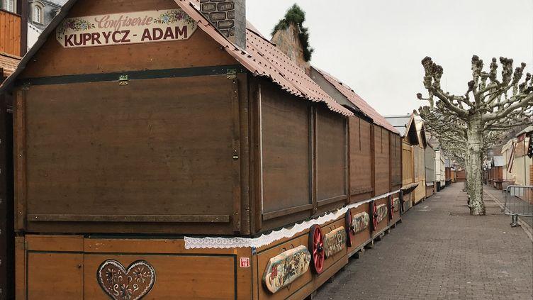 Le marché de Noël fermé à Strasbourg, le 12 décembre 2018, au lendemain d'une fusillade meurtière. (MAXIME BACQUIÉ / FRANCE-BLEU ALSACE (+ FB ELSASS))