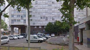Capture d'écran de Google Street View montrant le 41 rue Dhalenne, à Saint-Ouen (Seine-Saint-Denis) où le bailleur social Saint-Ouen Habitat a menacé d'expulser les locataires qui viennent en aide au SDF. (GOOGLE STREETVIEW)