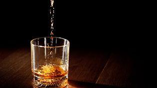 Un verre de whisky. (SEAN MOLIN / FLICKR / GETTY IMAGES)