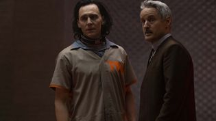 Loki (Tom Hiddleston) et Mobius (Owen Wilson) forment un duo que tout semble opposer, mais qui fonctionne à mervelle à l'écran. (Marvel Studios)