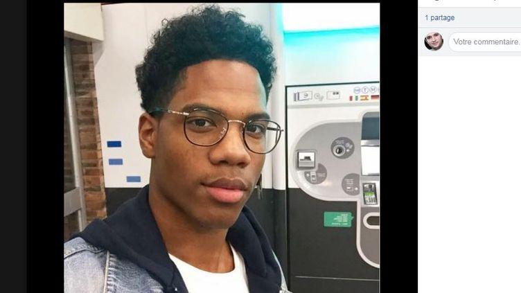Capture d'écran d'une photo publiée sur Facebook dans le cadre d'un appel lancé mardi 20 mars 2018, visant à retrouver Mathieu Louisy, Français de 20 ans disparu à Las Vegas. (FACEBOOK / OLIVIER LOUISY)