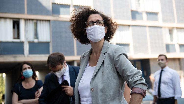 La ministre déléguée au Logement, Emmanuelle Wargon, à Marseille, le 30 juillet 2020. (CLEMENT MAHOUDEAU / AFP)