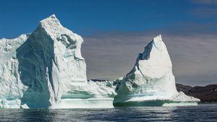 Des icebergs, sur la côte ouest du Groenland, le 3 juillet 2016. Photo d'illustration. (KONRAD K./ SIPA)