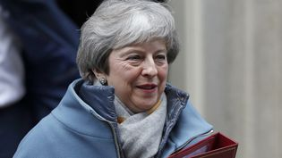 Theresa May quitte le 10 Downing Street à Londres, le 21 janvier 2019.  (ADRIAN DENNIS / AFP)