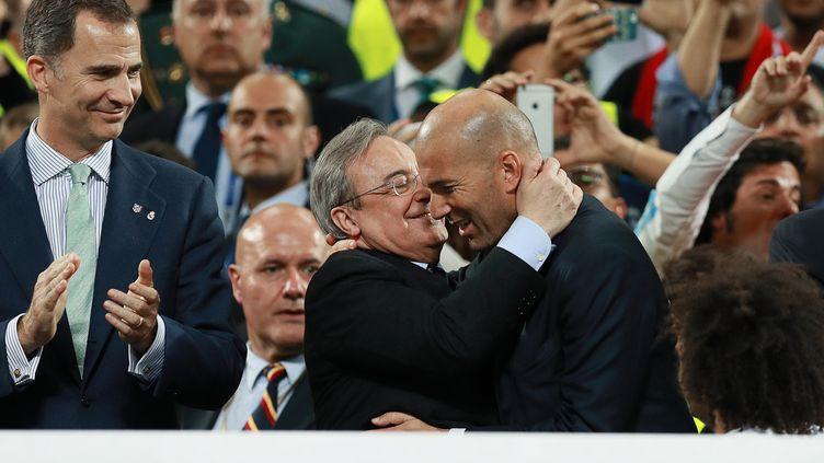 Florentino Perez, le président du Real Madrid, et Zinédine Zidane, l'entraîneur français du club madrilène, entretiennent une forte relation. (ANTON DENISOV / SPUTNIK)