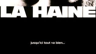 """25 ans plus tard, """"La Haine"""" ressort en salle cet été. L'œuvre réalisée par Mathieu Kassovitz avait à l'époque marqué les esprits en jetant un nouveau regard sur les jeunes qui vivent en banlieue et leurs rapports avec la police. (D.R.)"""