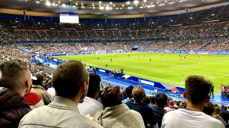 Le public du Stade de France lors du match des Bleus contre Andorre, le 10 septembre 2019 (MATTHIEU MONDOLONI / FRANCEINFO / RADIO FRANCE)