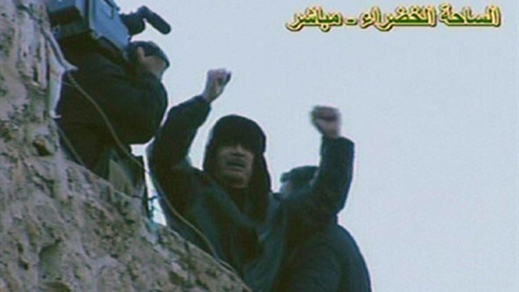 Mouammar Kadhafi à la télévision libyenne, le 25 février 2011 (AFP PHOTO/LIBYAN TV)