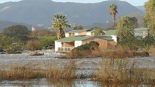 Une maison inondée en Corse du Sud, à Porticcio, en Corse du Sud, samedi 21 décembre 2019. (PASCAL POCHARD-CASABIANCA / AFP)