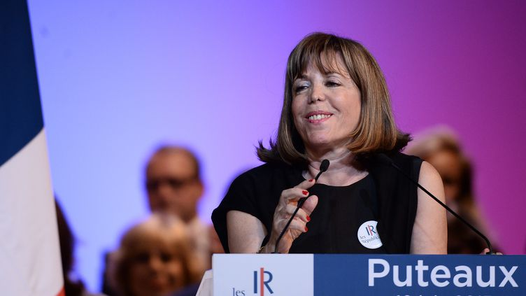 La maire Les Républicains de Puteaux (Hauts-de-Seine), Joëlle Ceccaldi-Raynaud, lors d'un meeting de son parti dans sa ville, le 10 juin 2015. (STEPHANE DE SAKUTIN / AFP)