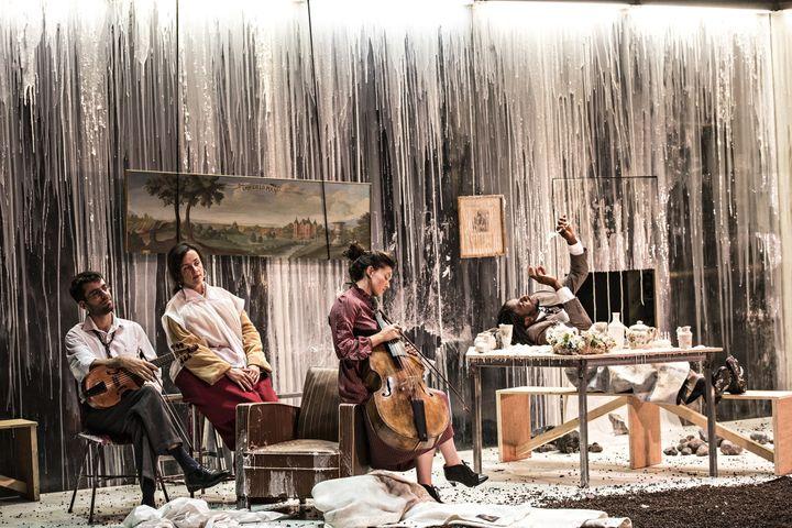 """""""Songs"""" au Théâtre des Bouffes du Nord.  (Jean-Louis Fernandez)"""