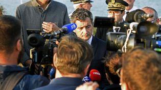 Le ministre de l'Intérieur, Gérald Darmanin, en visiteà Loon-Plage (Nord), le 9 octobre 2021. (FRANCOIS LO PRESTI / AFP)
