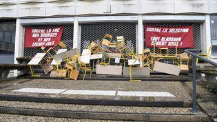 Des syndicats de lycéens, d'étudiants et d'enseignants appellent à manifester jeudi 1er février contre les réformes de l'université et du bac. ci-contre, l'université Rennes 2 bloquée. (MAXPPP)