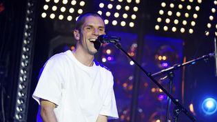 Le jeune chanteur Hervé et son enthousiasme XXL à l'Olympia le 6 octobre 2020, lors de la 3e édition du Psychodon (soirée caritative en faveur de la recherche pour la prévention des maladies mentales). (SADAKA EDMOND / SIPA)
