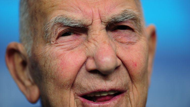Stéphane Hessel,le 10 février 2012, à Berlin (Allemagne). (JOHANNES EISELE / AFP)