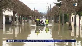 La Marne n'a pas entamé sa décrue. (FRANCE 3)