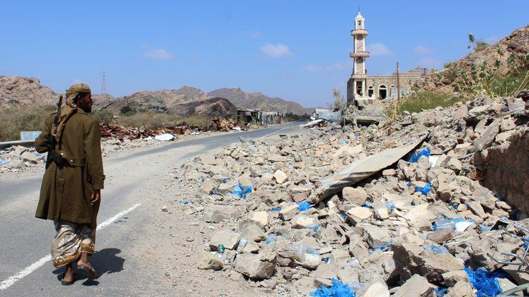 Un combattant yéménite, à Al-Shurayja, dans le sud du Yémen, le 27 mars 2018. (SALEH AL-OBEIDI / AFP)