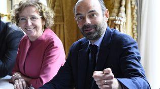 La ministre du Travail, Muriel Pénicaud, et le Premier ministre, Edouard Philippe, à Matignon, le 25 juillet 2017. (BERTRAND GUAY / AFP)