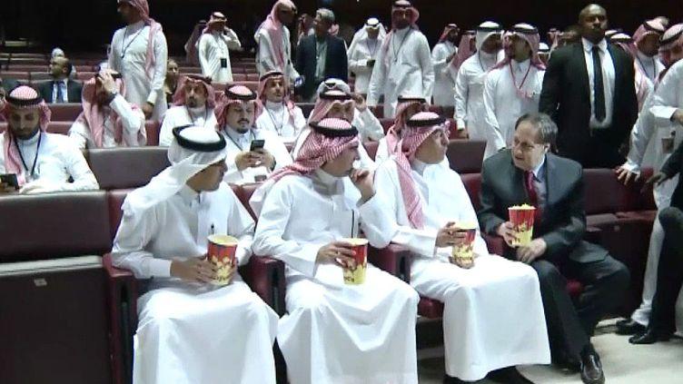 Il y avait même des pop corns pour la première projection d'un film en Arabie Saoudite depuis 35 ans  (France 3 / Culturebox)