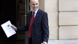 Louis Gallois, juste avant la remise de son rapport à Matignon à Paris, le 5 novembre 2012. (CHESNOT / SIPA)