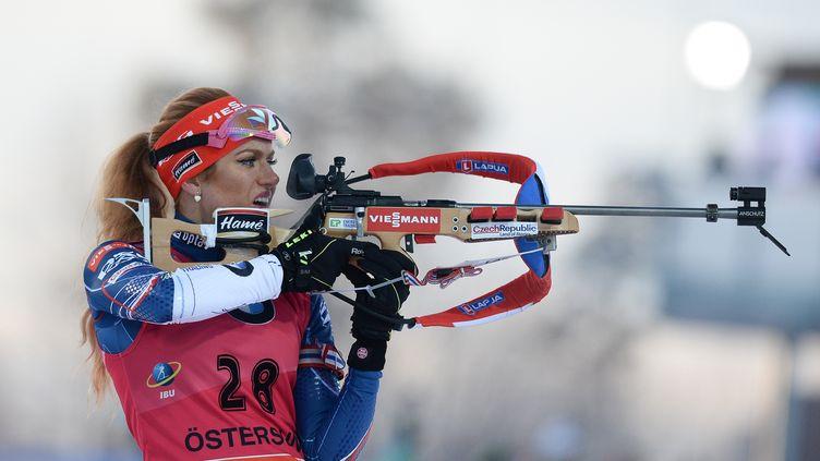 La Tchèque Gabriela Koukalova au tir (ALEXANDER VILF / SPUTNIK)