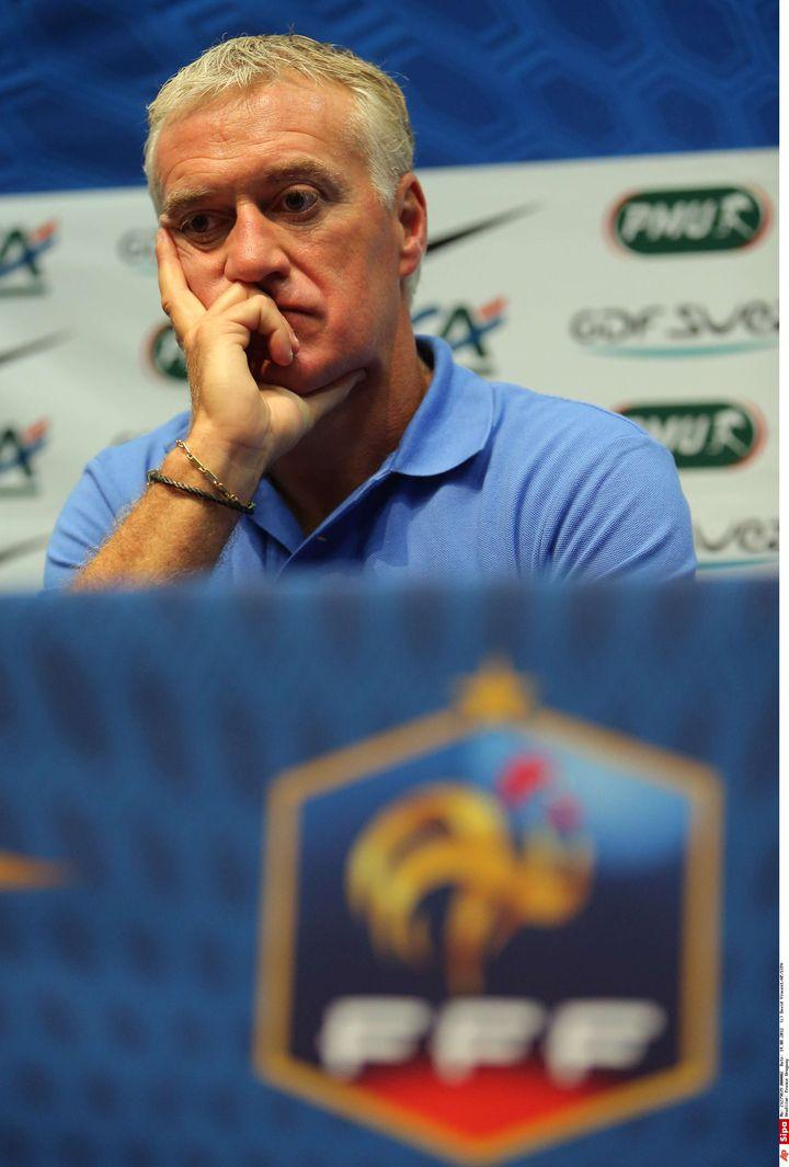 Le sélectionneur des Bleus Didier Deschamps lors d'une conférence de presse, le 14 août 2012. (DAVID VINCENT/AP/SIPA / AP)