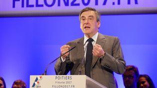 Le candidat des Républicains à la présidentielle 2017, François Fillon prononce un discours lors d'un meeting à Chasseneuil-du-Poitou (Vienne), le 9 février 2017. (MICHEL GARDE / CITIZENSIDE)
