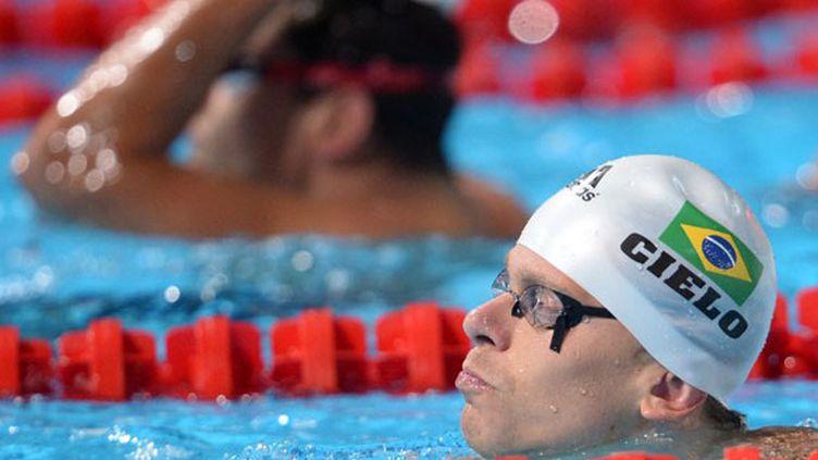 Cesar Cielo, double champion du monde du 50 nage libre, avec en arrière plan Florent Manaudou, champion olympique en titre