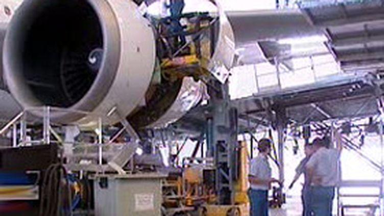 Atelier Airbus au sein de l'usine de Méaulte, dans la Somme (27/02/2007) (France 2)