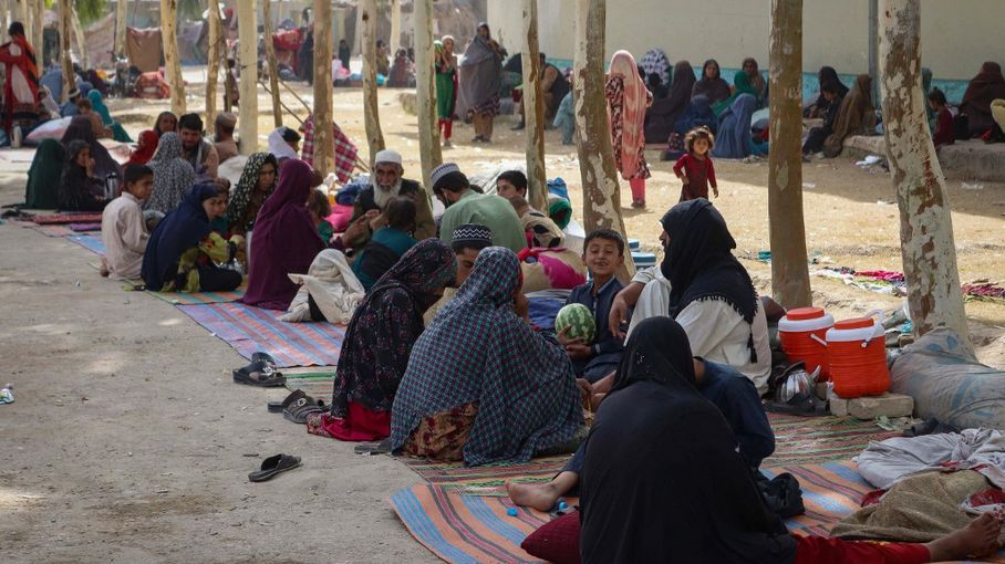 """Afghanistan : les ambassades américaine et britannique accusent les talibans d'avoir """"massacré des dizaines de civils"""""""