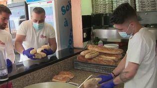 Solidarité : à Nice, des restaurateurs proposent des repas gratuits aux étudiants (France 2)