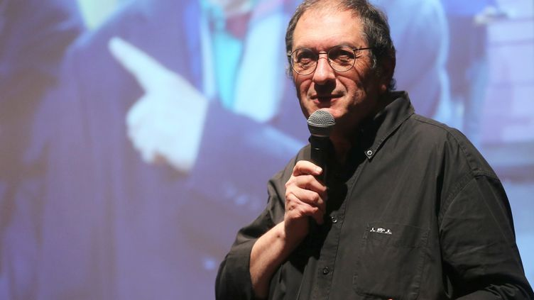 L'écrivain Philippe Carrese, réalisateur de plus de 400 épisodes de la série Plus belle la vie, lors d'une conférence à Marseille, le 6 mars 2018. (MAXPPP)