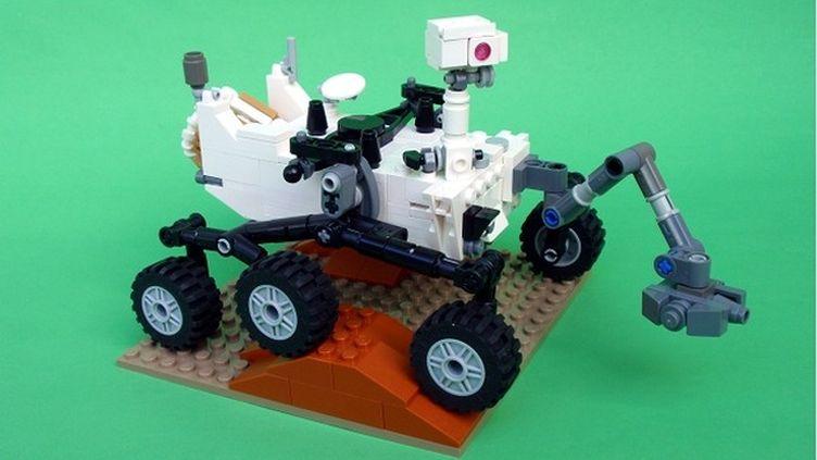 La maquette du robot Curiosit, versionLego. (PERIJOVE / LEGO)