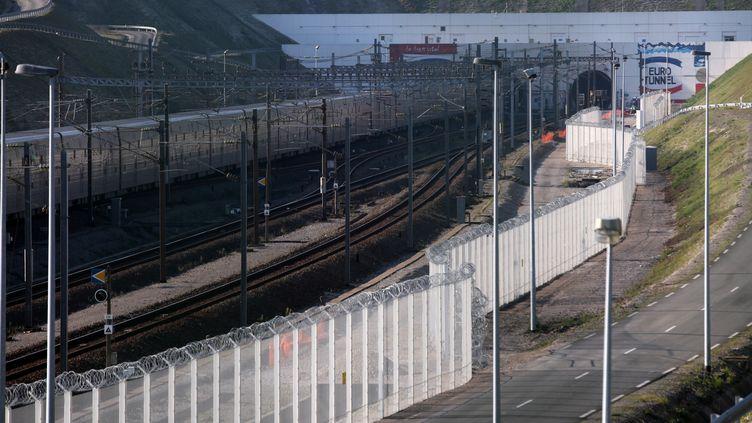 L'entrée du tunnel sous la Manche côté français à Calais (Pas-de-Calais), le 26 octobre 2015. (THIERRY THOREL / CITIZENSIDE / AFP)
