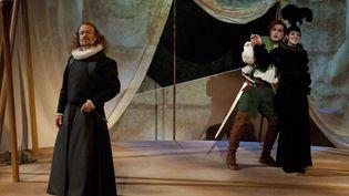 Hagen, Siegfries, Gutrune  (Elisa Haberer / Opéra national de Paris)