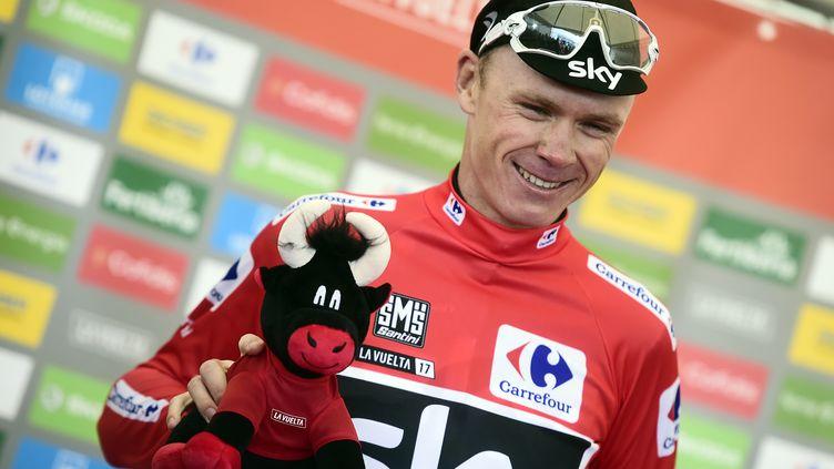 Chris Froome sur le podium de la Vuelta (JOSE JORDAN / AFP)