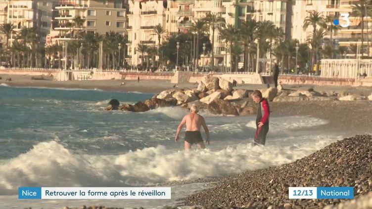 À Nice, les cadeaux à peine ouverts, les habitants étaient nombreuxà faire du sportsur la Promenade des Anglais pour un réveil de Noël tonique. (France 3)