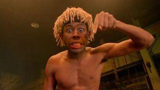 """Tyler, The Creator, éminence grise, provocateur et amuseur patenté du collectif Odd Future de Los Angeles.  (Saisie écran de """"Domo 23"""")"""