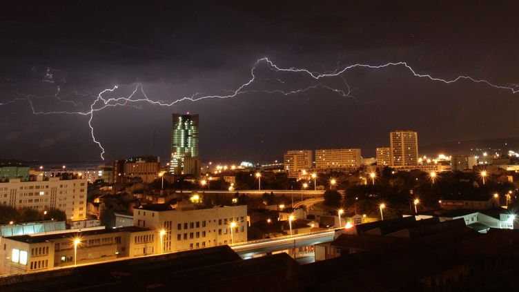 Un orageà Marseille, le 1er août 2010. (MAXPPP)