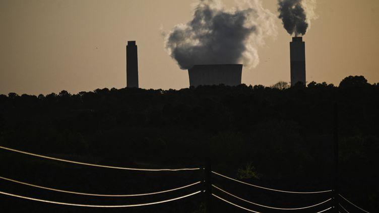 Unecentrale électrique fonctionnant au charbon en Alabama (Etats-Unis), enavril 2021 (ANDREW CABALLERO-REYNOLDS / AFP)