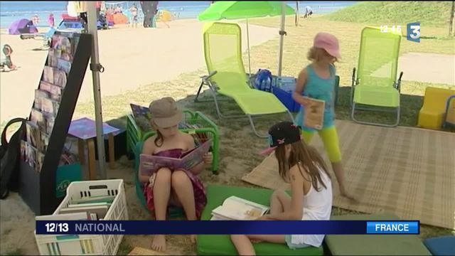 Vacances : quand la lecture s'installe sur les plages