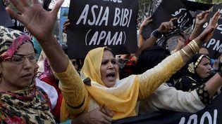 Manifestation pour la libération d'Asia Bibi, condamnée pour blasphème à Lahore (Pakistan), le 21 novembre 2010. (K.M. CHAUDARY/AP/SIPA / AP)